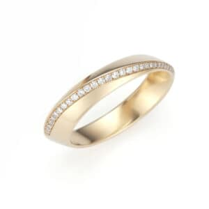angela hubel 18k rose gold diagonal diamond wedding ring designyard contemporary jewellery gallery dublin ireland