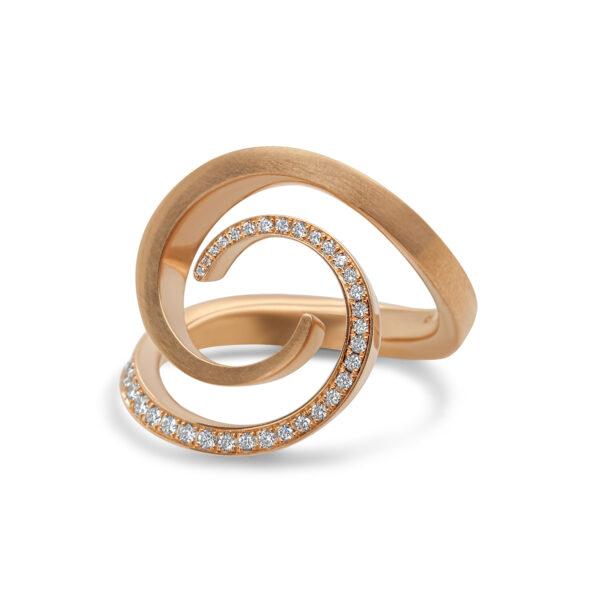angela hubel 18k rose gold windrose diamond ring designyard contemporary jewellery gallery dublin ireland handmade statement ring irish design designer jewellers jewelry shop