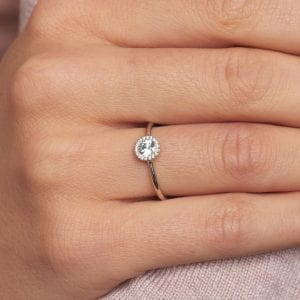 18k White Gold Diamond Cannele Engagement Ring