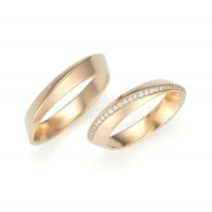18k Rose Gold Diagonal Diamond Wedding Ring
