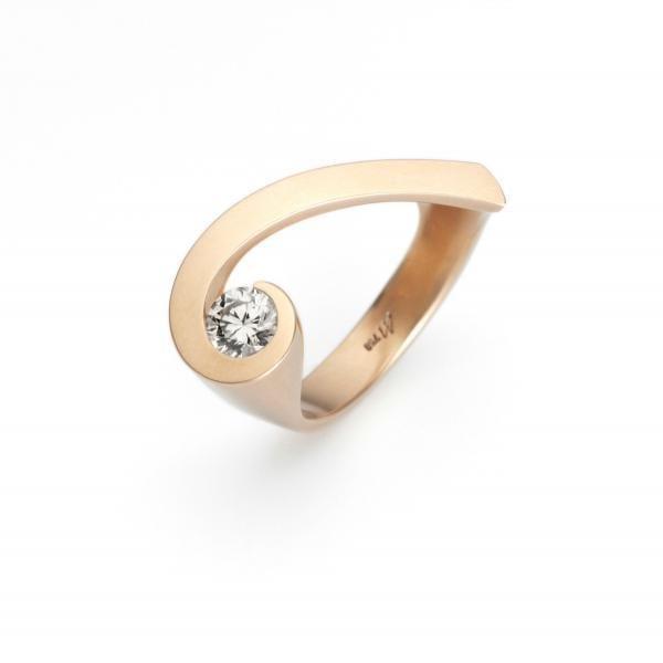 18k Yellow Gold Shooting Star Diamond Engagement Ring