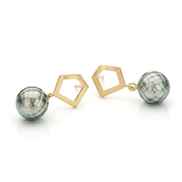 14k Yellow Gold Facetted Pearl Earrings Designyard