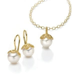 18k Yellow Gold Freshwater Pearl Frau Luna Earrings