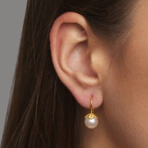18k Yellow Gold Freshwater Pearl Frau Luna Earrings