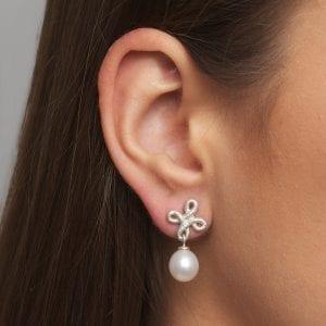 Sterling Silver Freshwater Pearl Pique Dame Earrings