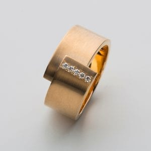 18k Yellow Gold Satin Diamond Shift Ring