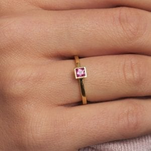 18k Yellow Gold Pink Sapphire Diamond Ring