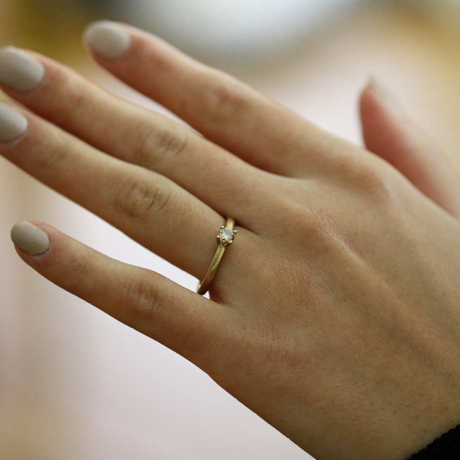 diana porter 9k yellow gold champagne diamond ring designyard contemporary jewellery gallery dublin ireland