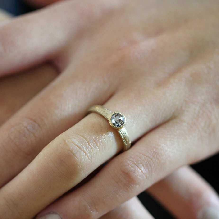 diana porter 9k yellow gold salt and pepper diamond etched ring designyard contemporary jewellery gallery dublin ireland