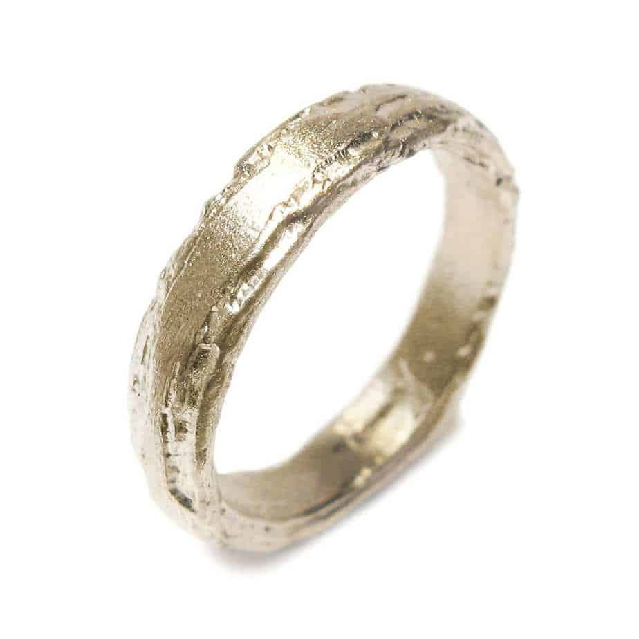 2a6debfef36c0 18k Yellow Gold Etched 4mm Ring