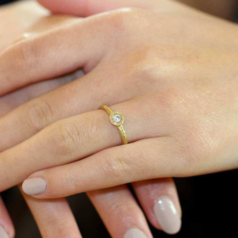 diana porter 18ct yellow gold diamond engagement ring designyard contemporary jewellery gallery dublin ireland