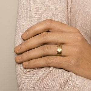 18k Yellow Gold Scattered Diamond Ring DesignYard
