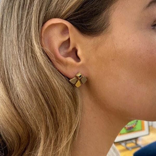 catherine mannheim 18k yellow white gold sapphire earrings designyard contemporary jewellery gallery dublin ireland luxury hand made bespoke goldsmith craft design art sculpture sheen falls co kerry adare manor co limerick london paris rome milan monaco new york