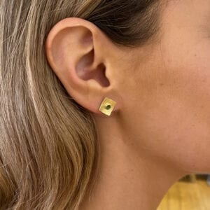 catherine mannheim 18k yellow gold green tourmaline square stud earrings designyard contemporary jewellery gallery dublin ireland fine jewelry designer boodles tiffany luxury earrings