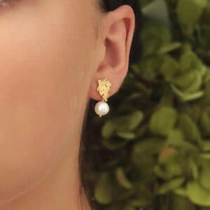 mirri damer gold silver crown pearl earrings designyard contemporary jewellery gallery dublin ireland handmade jewelry design designer irish jewellers shop