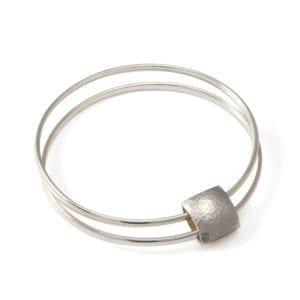 silver-double-pillow-bracelet designyard