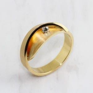 contemporary alternative engagement ring designyard dublin ireland cardillac magnolia ring