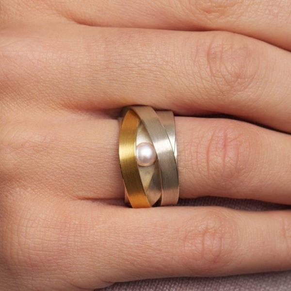 contemporary jewellery ring pearl yellow gold silver manu designyard