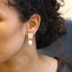 cardillac 14k yellow gold girl with a pearl earring designyard contemporary jewellery gallery dublin ireland handmade jewelry design designer irish jewellers shop