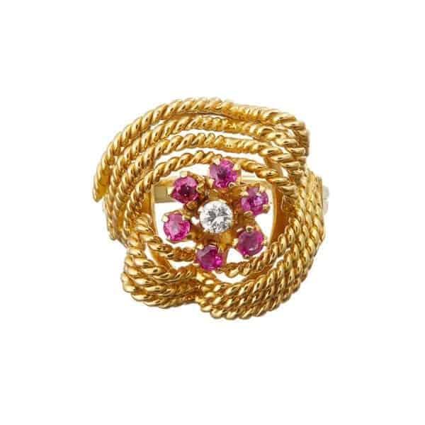 18k yellow gold ruby diamond statement ring desingyard fine jewellery gallery dublin ireland paris rome london belfaast monaco manhattan new york the hamptons olso uae dubai