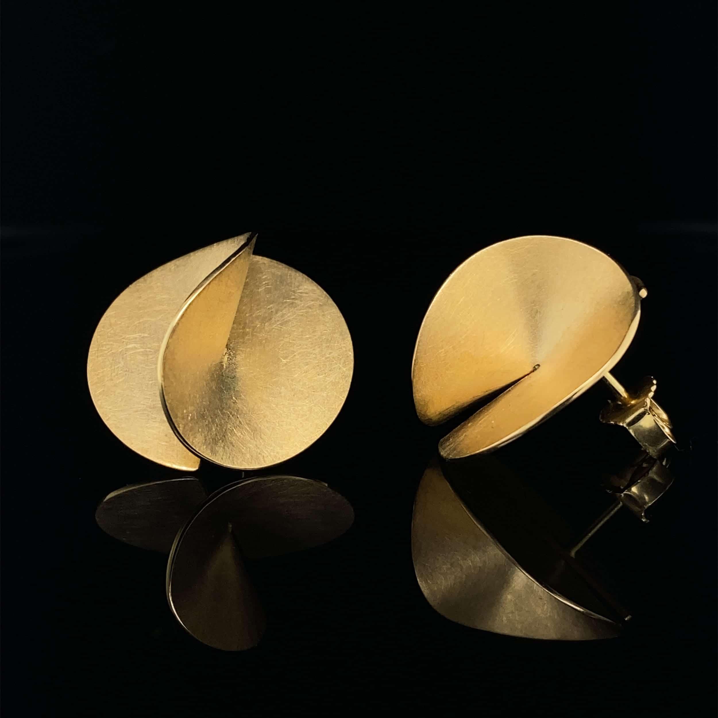 cardillac 18k yellow gold aster earrings designyard contemporary jewellery gallery dublin ireland