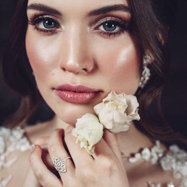 brigitte adolph ring mona lisa in white gold with brilliant cut diamonds designyard contemporary jewellery gallery dublin ireland
