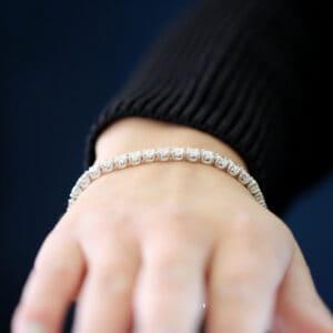 ronan campbell 18k white gold diamond tennis bracelet designyard contemporary jewellery gallery dublin ireland fine jewelry