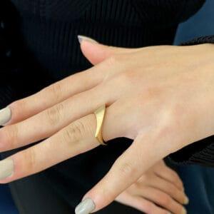 cardillac 14k yellow gold sweep ring designyard contemporary jewellery gallery dublin ireland handmade jewelry