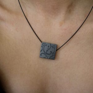 ursula muller black reversible black champagne aluminium necklace designyard contemporary jewellery gallery dublin ireland