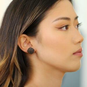 ursula mulller aluminium black embossed cushion earrings designyard contemporary jewellery gallery dublin ireland luxe jewelry