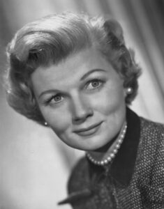 """June Cleaver """"Leave It To Beaver"""" 1957"""