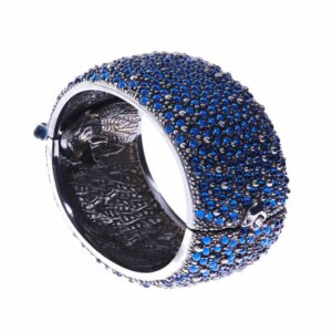 eagle ray hinged bangle black by simon harrison at designyard contemporary jewellery gallery dublin ireland