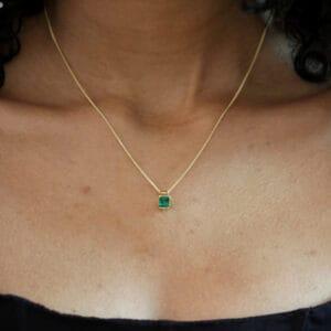 ronan campbell yellow gold tenues bezəl colombian emerald pendant designyard contemporary jewellery gallery dublin ireland fair trade irish design designer jewellers shop jewelry