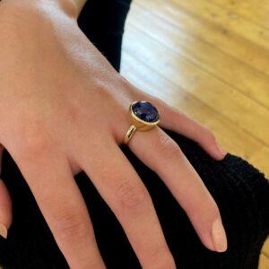 blue sapphire cabochon ring by friederike grace at designyard contemporary jewellery dublin ireland